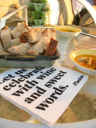 Shetland Meadows: Snack on deck