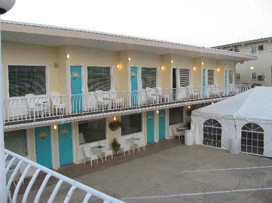 Aztec Resort Motel: Rooms