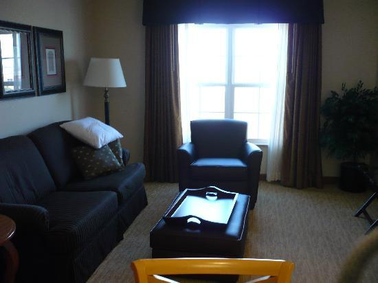 Homewood Suites by Hilton @ The Waterfront: A Very Comfortable Room!