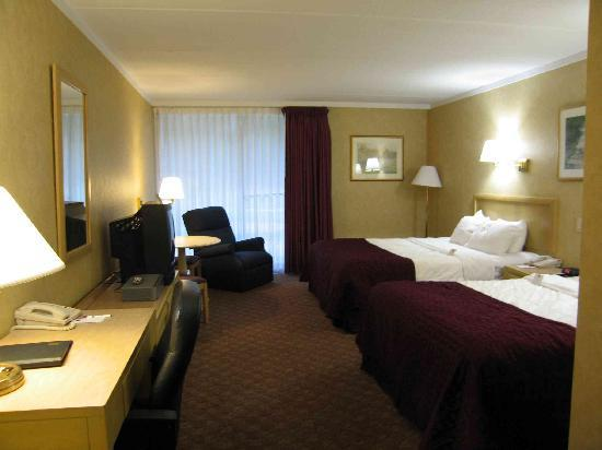 Clarion Hotel Buffalo Airport: Clarion - Room 124