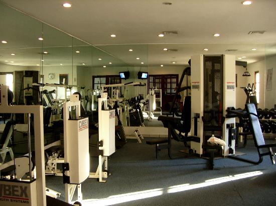 gym - not huge but well equipped - Picture of Casa del Mar Golf ...