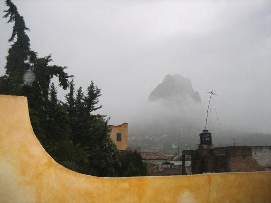 Bernal, المكسيك: la peña vista desde la habitacion