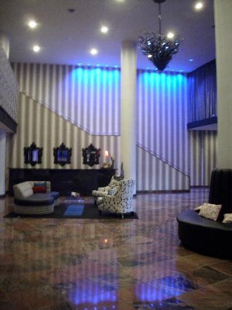 Wyndham Garden Norfolk Downtown: Lobby