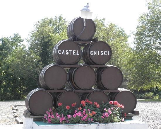 Castel Grisch: Grisch wine casks