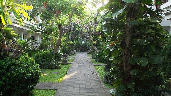 Puri Raja: Beautiful gardens