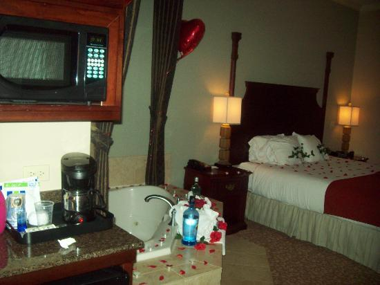 Holiday Inn Express & Suites Allen North - Event Center: Room decorated by me