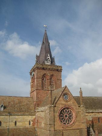 Orkney Archaeology Tours: st magnus cathedral kirkwall