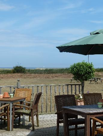 Briarfields Hotel: Lovely sea views and peaceful decked terrace
