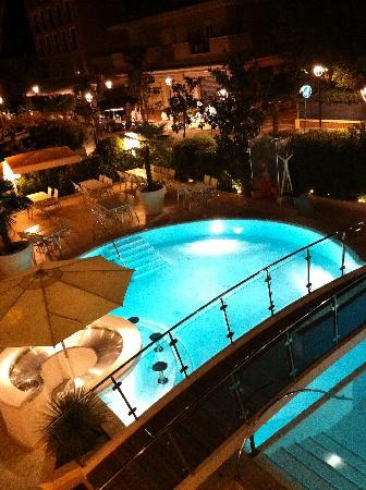 Hotel Belvedere : The Pool