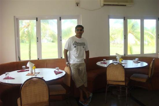 Krishnali Beach Resort : Restaurant
