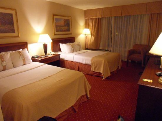 Holiday Inn Gaithersburg: A Look at the Room
