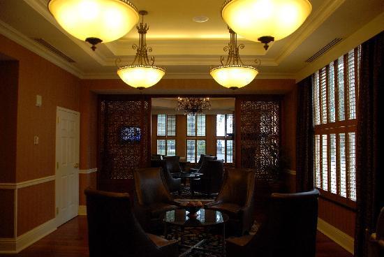 Holiday Inn Express Savannah-Historic District: 2