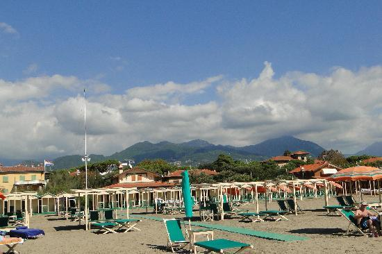 Adams Villa Olmi : Strand