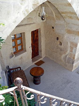 Koza Cave Hotel: Entrance to the rooms
