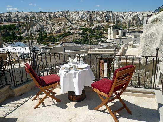 Koza Cave Hotel: Breakfast with a view
