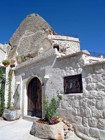 Koza Cave Hotel Entrance