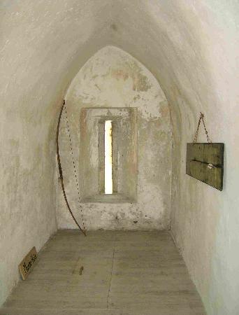 Dunsandle Castle and Woods: Gefängnis