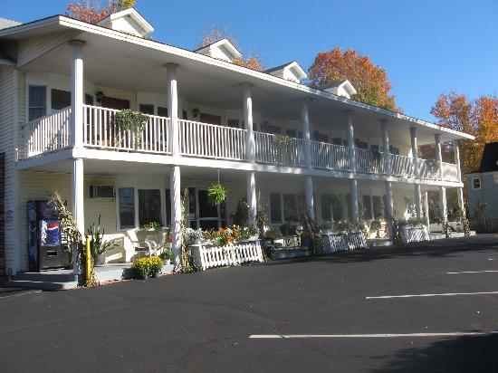 Scenic Inn of Conway: Scenic Inn from the corner