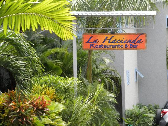 La Hacienda Restaurante: Find La Hacienda on the road to Manuel Antonio Beach and Park