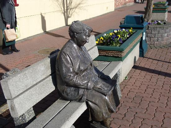 Statue in downtown Sidney, BC