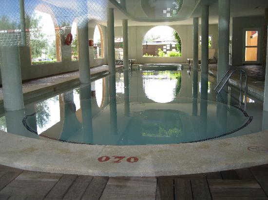 Protur Bonaire Aparthotel: Indoor Pool