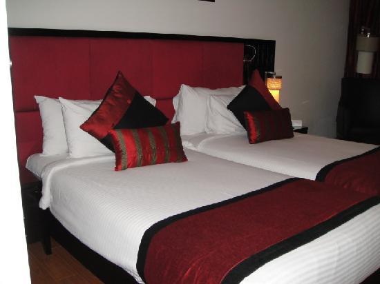 Ebony Boutique Hotel: beds