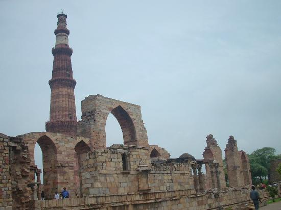 Μιναρές Κουτμπ: Another view of the Qutab Minar