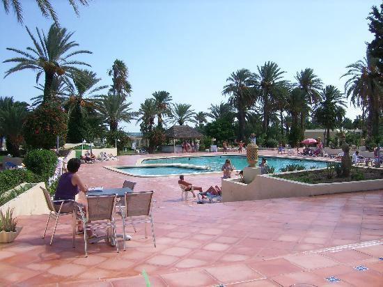Hill Diar Hotel: piscine