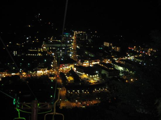 Gatlinburg, Τενεσί: View from the skylift at night