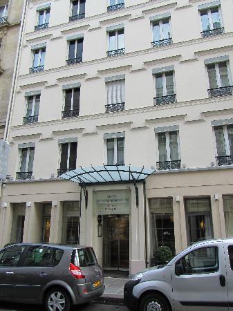 the street the hotel is on rue de champ du mars picture of hotel relais bosquet paris paris. Black Bedroom Furniture Sets. Home Design Ideas