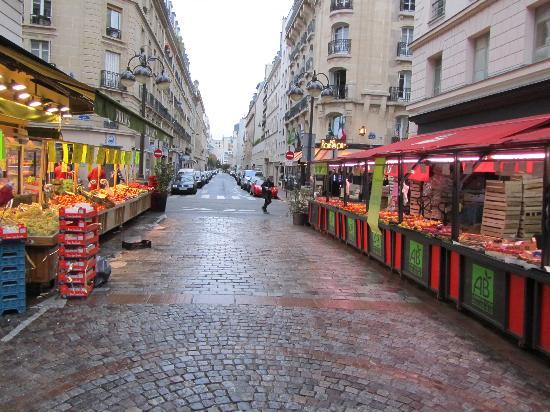 Hotel Relais Bosquet Paris : Rue Cler