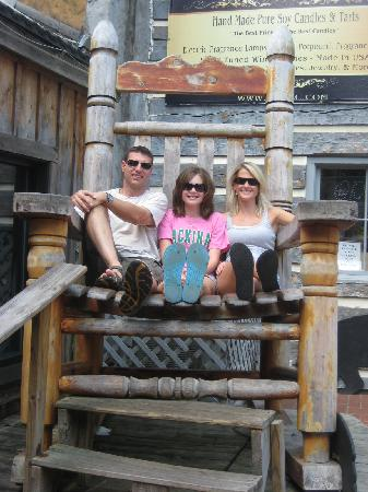 Gatlinburg, TN: Taking a break in the HUGE rocking chair!