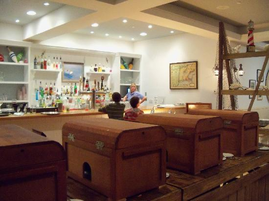 Chatham Bars Inn Resort - Dining : buffet in treasure chests