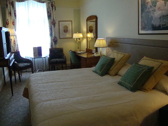 Belmond Grand Hotel Europe : King Comfy Bed
