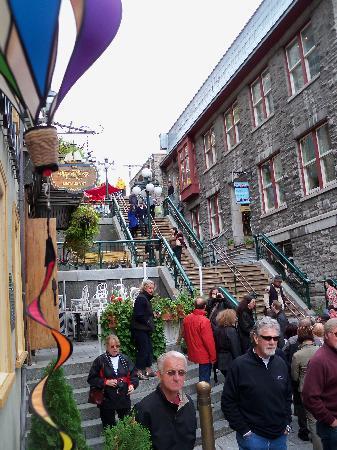 Quartier Petit Champlain: view of the steps