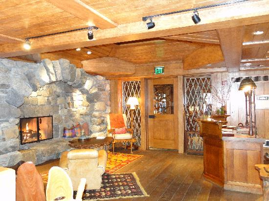 Lake Placid Lodge: Front reception area