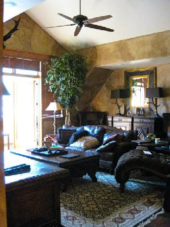 Highmark Steamboat Springs : Living room