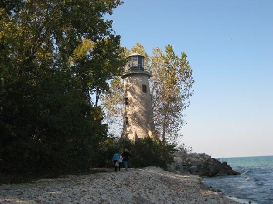 Pelee Places: Thanksgiving weekend 2010, Lighthouse