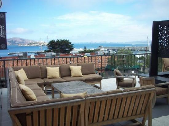 Fairmont Heritage Place, Ghirardelli Square: Mustard Terrace Outside Deck overlooking the Bay