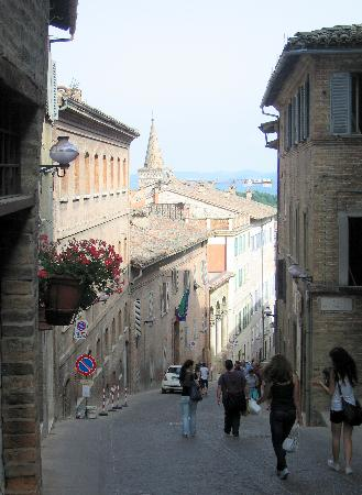 Urbino, Italy: Steep streets provide lots of exercise