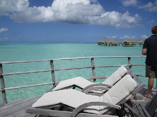 Le Taha'a Island Resort & Spa: The deck of our bungalow