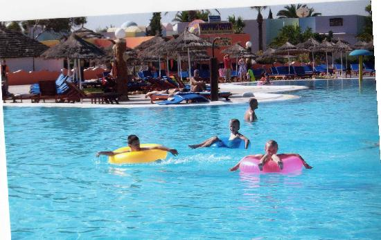 Caribbean World Monastir : kids in the pool where they were all day