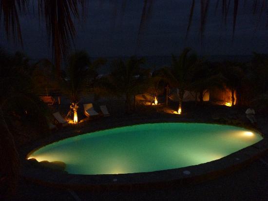 Casa Mediterranea : Pool at night