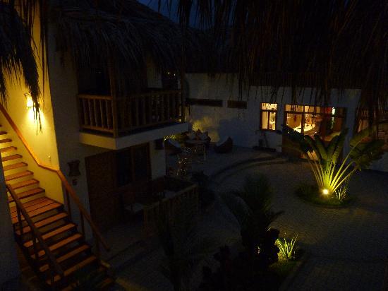 Casa Mediterranea: Guest rooms and common areas