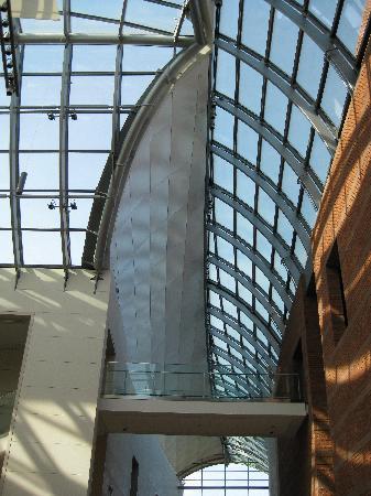 Cape Ann, MA: Peabody Essex Museum lobby