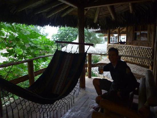 Balsa Surf Camp: Hammocks on private balconies