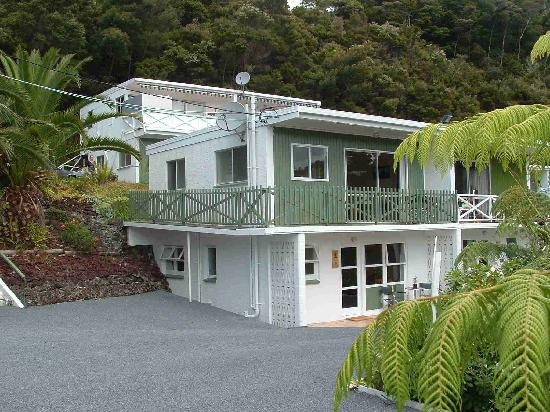 Bay of Islands Sublime Apartments : Looking at a lower and upper unit