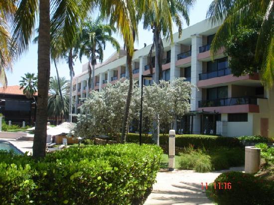 Hotel Cumanagoto Premier International Hotel : vista parcial del hotel (habitaciones)
