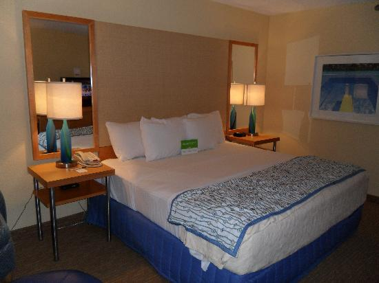 La Quinta Inn & Suites Myrtle Beach N Kings Hwy: Bed