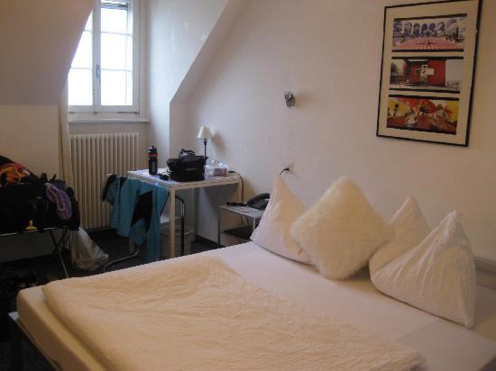 Murten, Sveits: bed #1